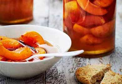 Abricots frais au sirop maison